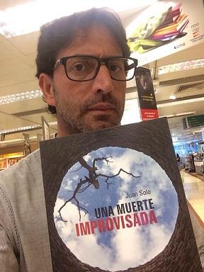 Antonio Garrido con Una muerte improvisada - Segunda novela del escritor Juan Solo