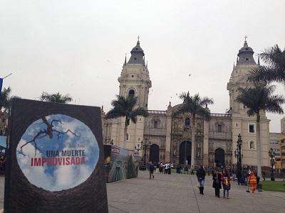 Una muerte improvisada en Lima - Perú - Juan Solo - Novela negra - Vaughan Libros