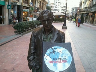 Woody Allen con Una muerte improvisada - Oviedo - Una muerte improvisada - Una muerte improvisada - Vaughan - Novela negra - Juan Solo - #JuanSolo - juansolo.es