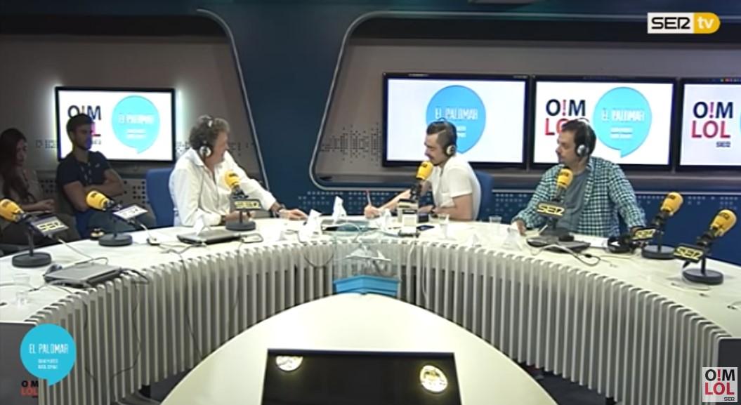 Juan Solo Director de El Palomar y Dani Mateo Presentador entrevistando a Gomaespuma