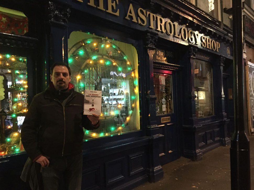 JUAN SOLO - SEGUNDA EDICION DE LA MANO DEL VERDUGO - VAUGHAN LIBROS - NEAL STREET LONDRES - ASTROLOGY
