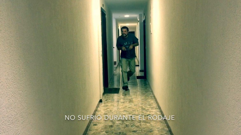 Juan Solo haciendo el velocirraptor - Juan Solo explica Jurassic World: El reino caído con dinosaurios y sin spoilers - Juan Solo - Congreso de los Diputados - Han Solo