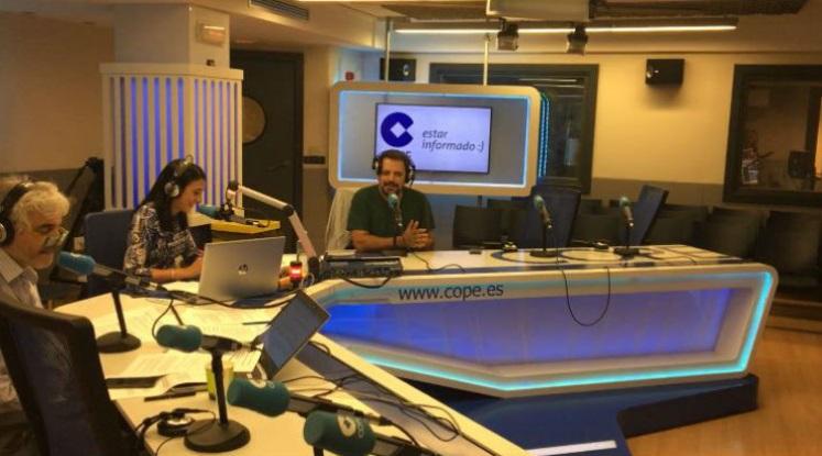 Juan Solo es El hombre que sabía demasiado poco en La Tarde de la Cadena COPE con Fernando de Haro y Pilar Cisneros