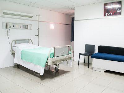 En una sala de hospital…
