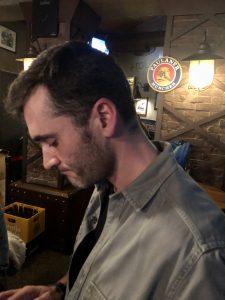Karim probando texto nuevo antes de salir a probarlo - Richard Salamanca - Karim - Álvaro Seko - Iñaki Urrutia - Juan Solo - Beer Station - Comikazes